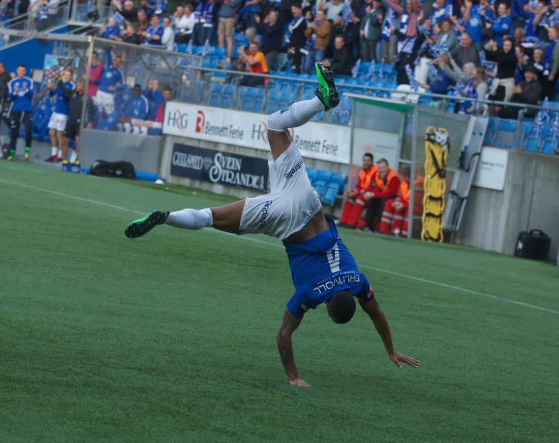 Både fantastisk scoring og feiring fra kapteinen! Foto: Per Tormod Nilsen