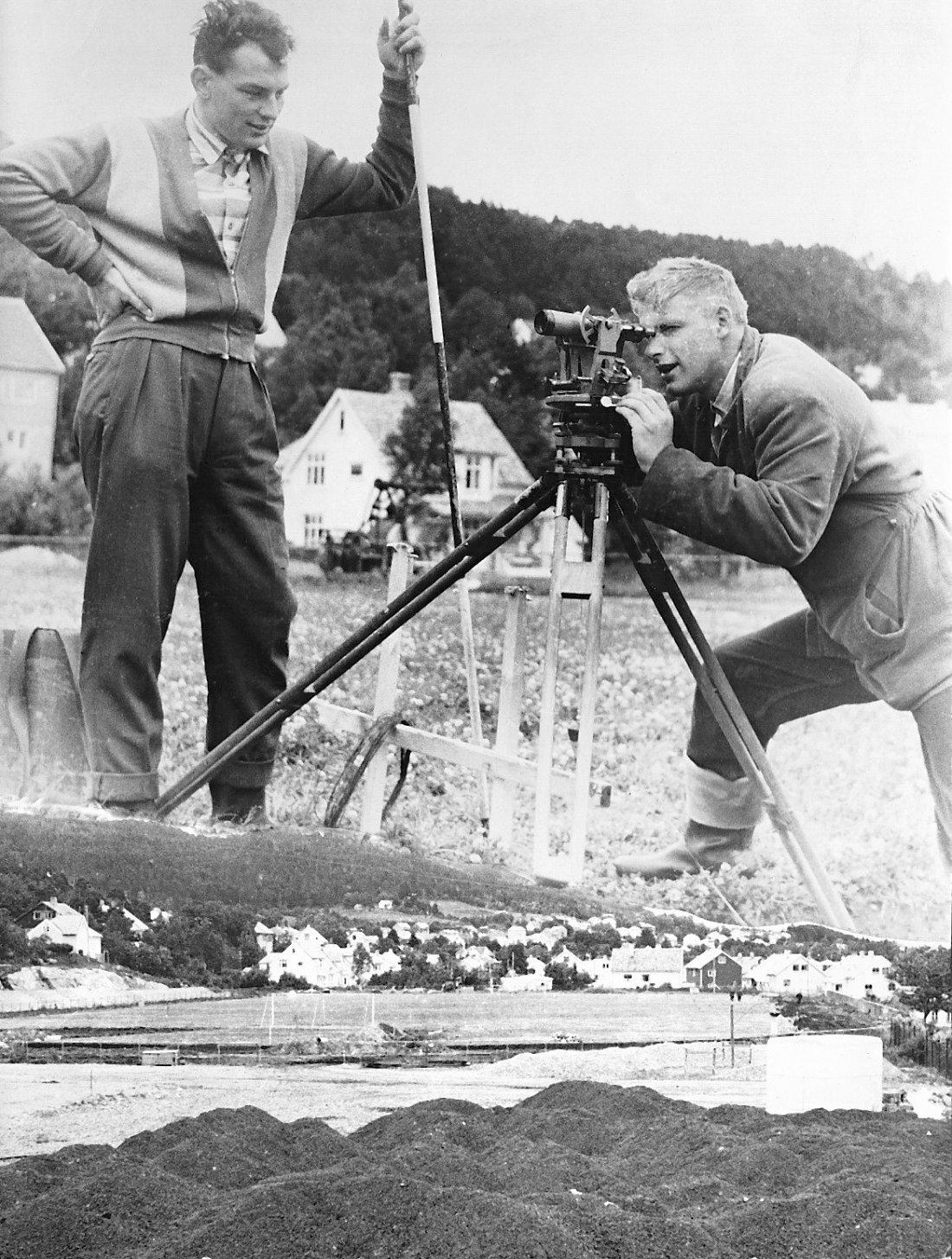 1957 arbeid justert