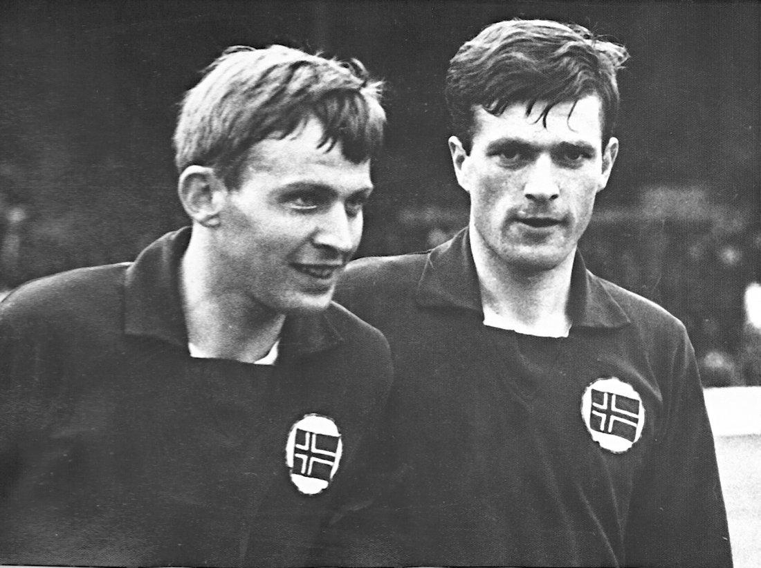 Harry Hestad og Torkild Brakstad med flagget på brystet
